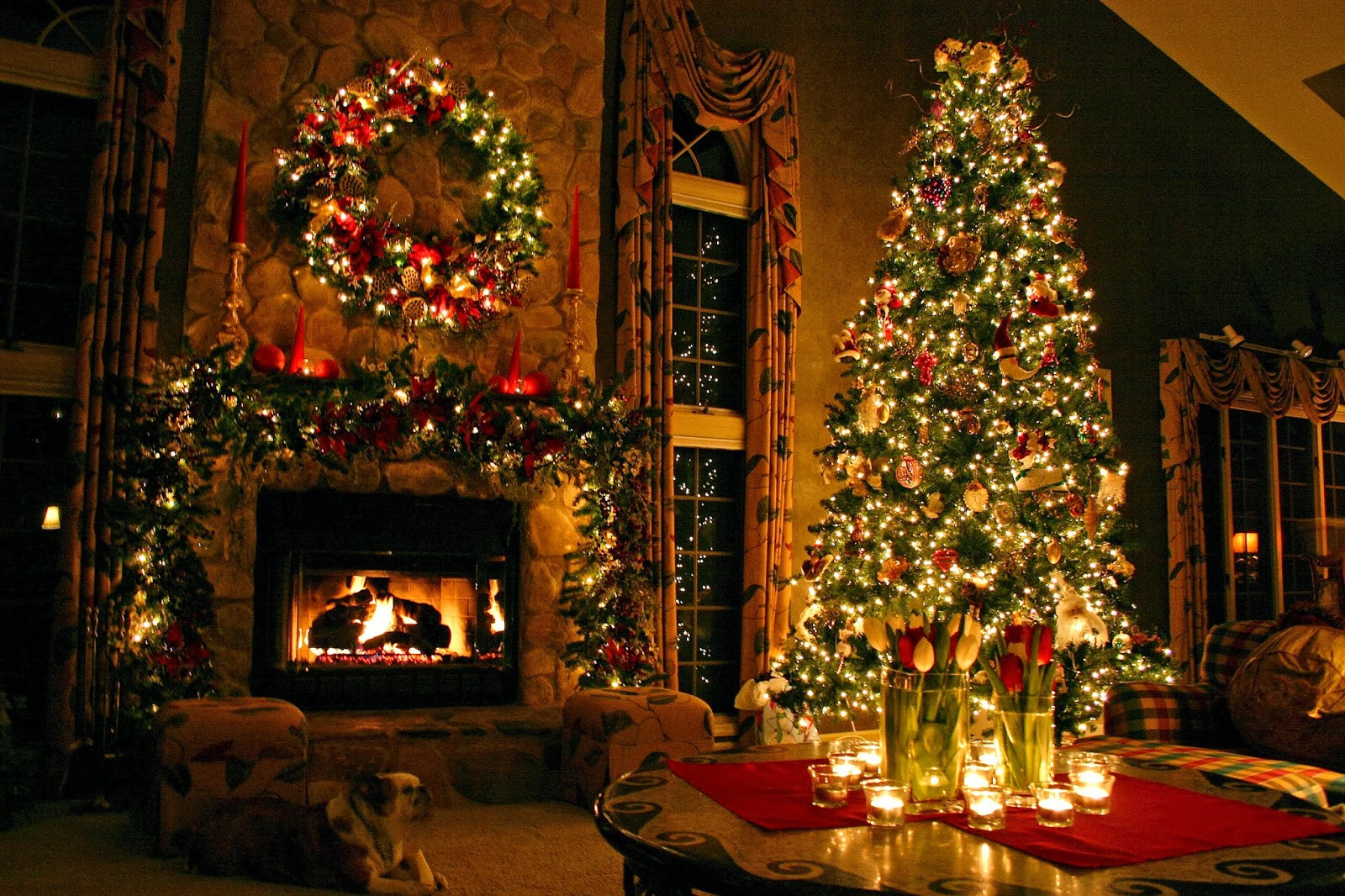 Christmas Tree Fireplace  Simply elegant – easy Christmas decorating ideas – LifeStuffs
