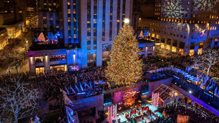 Christmas Tree Lighting Nyc  Rockefeller Center tree lighting kicks off holiday season