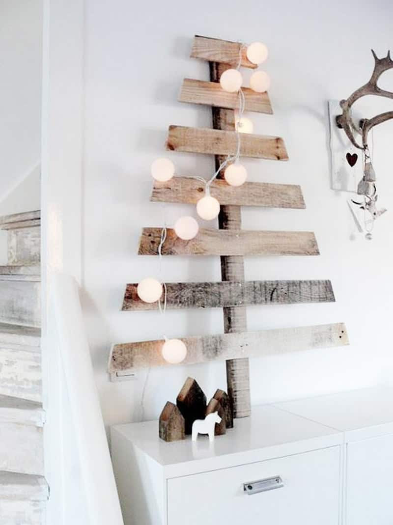 Christmas Wood Art  Tree Branches and Pallets for Christmas Decorations