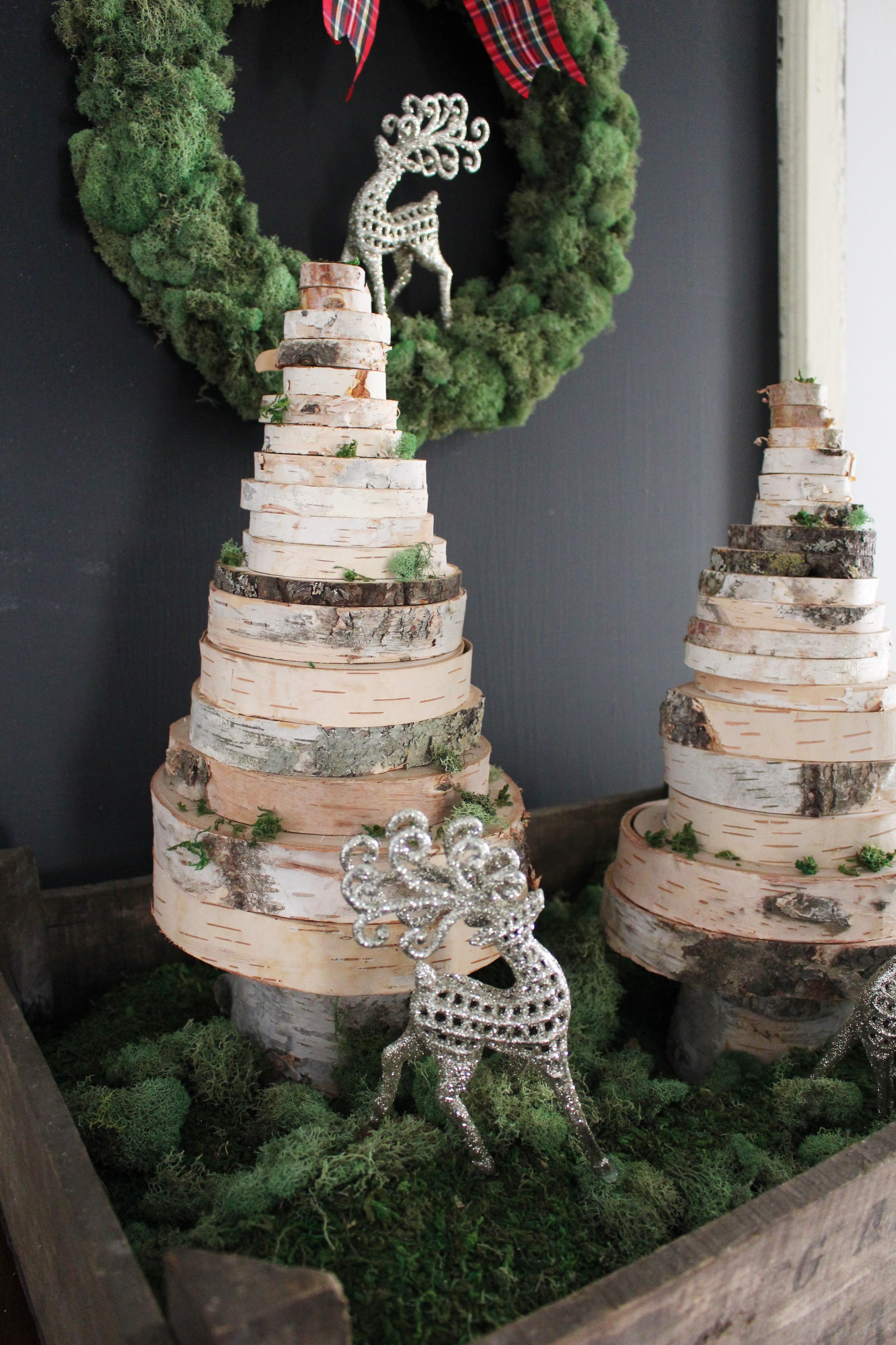 Christmas Wood Art  Wood Slice Christmas Tree 2 Bees in a Pod