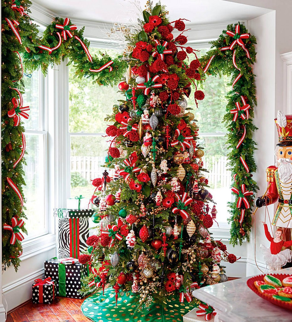Gate For Christmas Tree  17 Amazing Christmas Tree Decorations To Inspire You