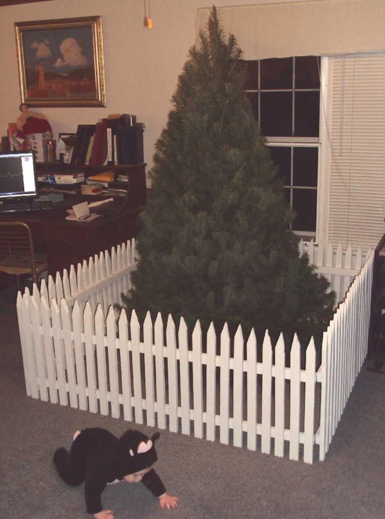 Gate For Christmas Tree  Christmas Tree Gate Tutorial Part 2 Laura Irrgang