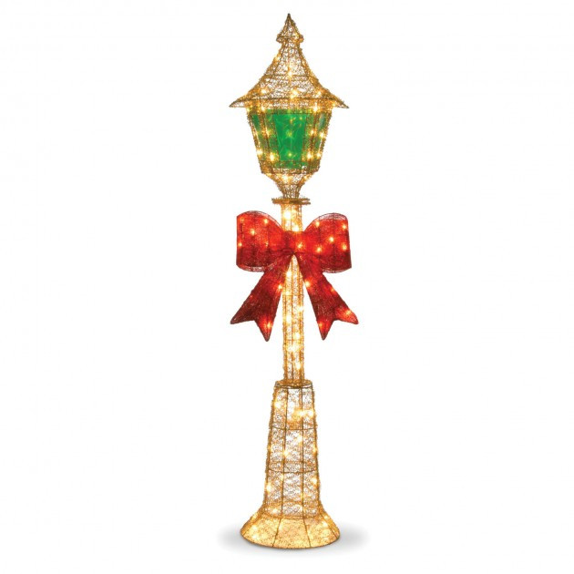 Lighted Outdoor Christmas Lamp Post  A Collection of Outdoor Christmas Light Displays