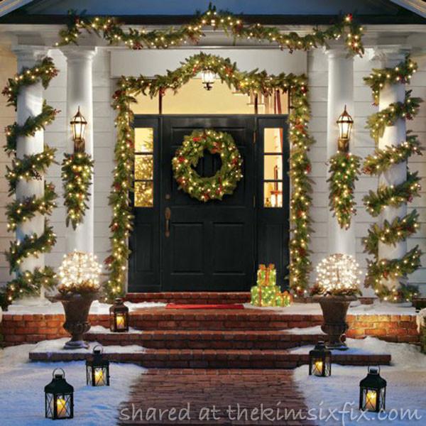 Outdoor Christmas Garland With Lights  outdoor christmas decor garland