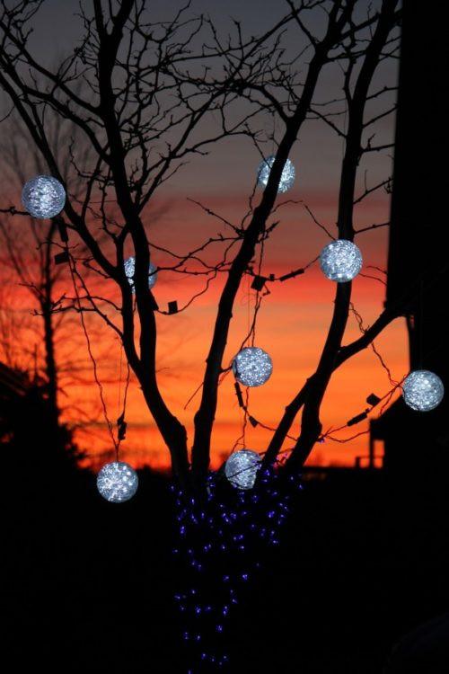 Outdoor Christmas Light Balls  Christmas light spheres outdoor 15 festive ways to