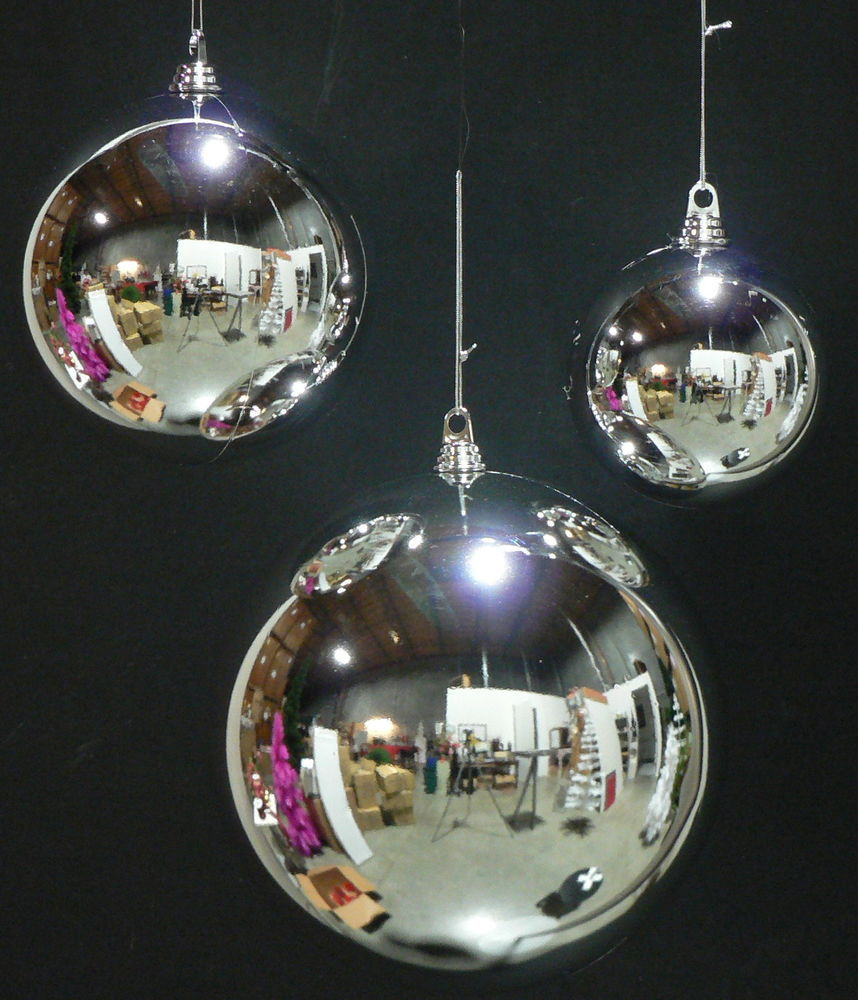 """Outdoor Christmas Ornaments  8 LARGE SILVER 200MM PLASTIC CHRISTMAS BALL 8"""" DIAM"""