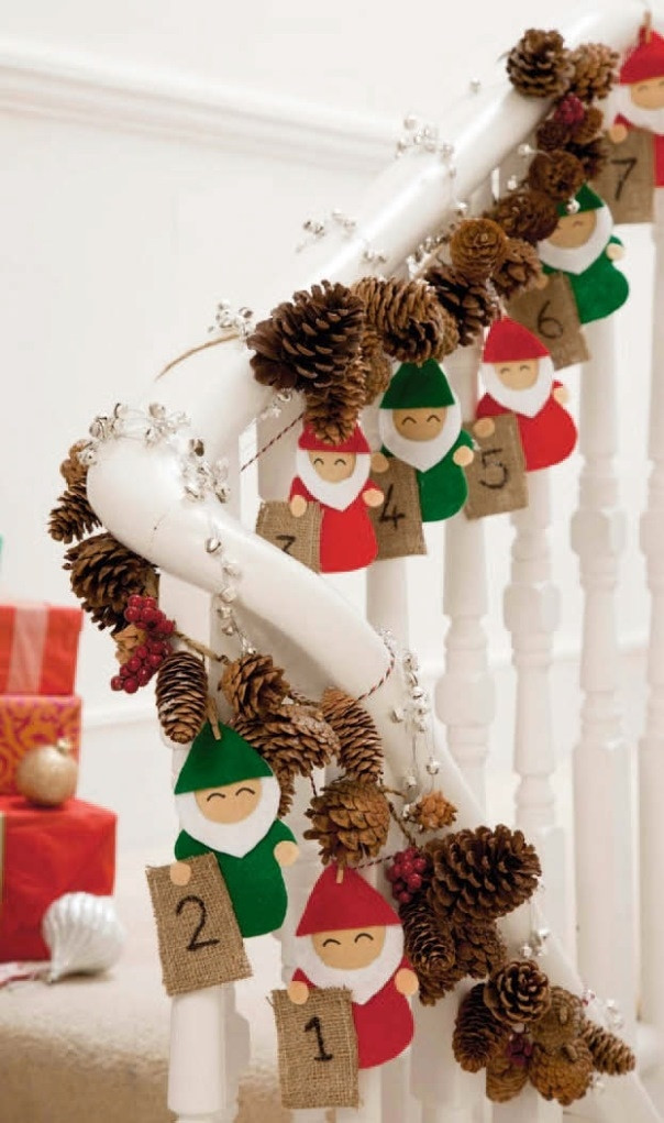 Staircase Christmas Decorations  Top 40 Stunning Christmas Decorating Ideas For Staircase