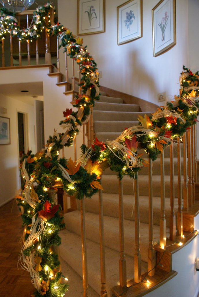Staircase Christmas Decorations Elegant 30 Beautiful Christmas Decorations that Turn Your