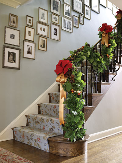 Staircase Christmas Decorations  Chloe s Inspiration Christmas Decoration for your